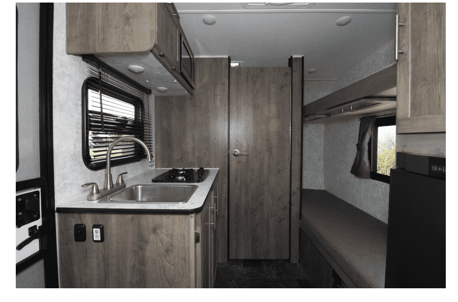 15-roulotte-ultralegere-prolite-voyage-camping-4-personnes-petit-vus-caravane-legere-profil-