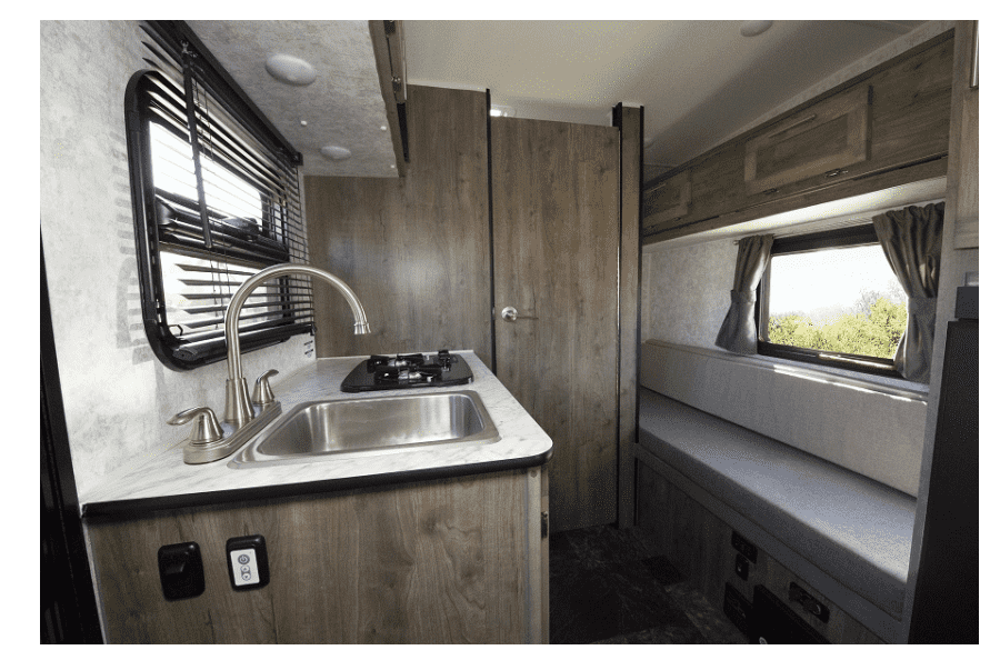 17-roulotte-ultralegere-prolite-voyage-camping-4-personnes-petit-vus-caravane-legere-profil-