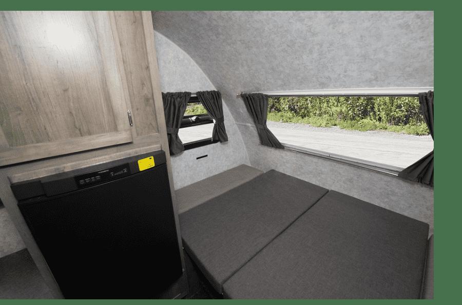 18-roulotte-ultralegere-prolite-voyage-camping-4-personnes-petit-vus-caravane-legere-profil-