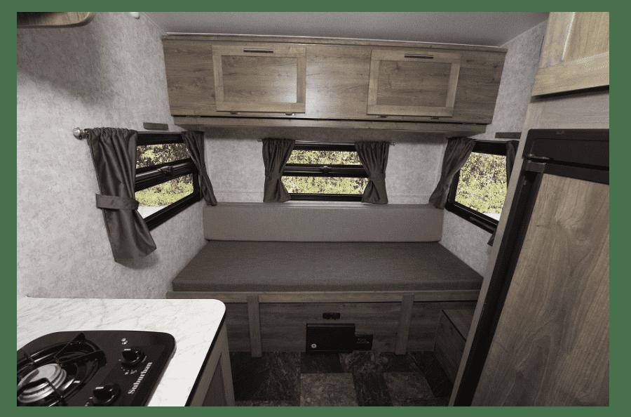 5-roulotte-legere-pour-vus-neuve-a-vendre-capacite-remorquage-2500-livres-couche-5-personnes